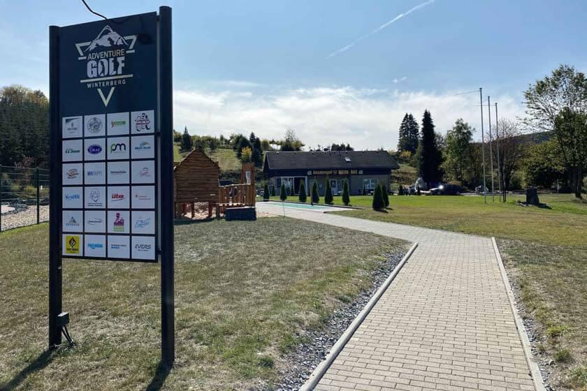 Zugangsweg zum AdventureGolf in Winterberg-Hildfeld