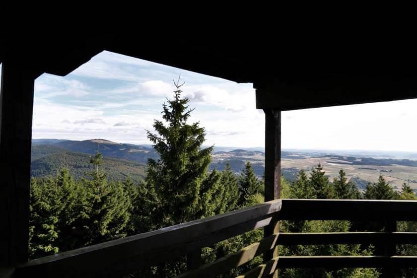 Aussicht vom Heidekopfturm aus bei klarem Sommerwetter
