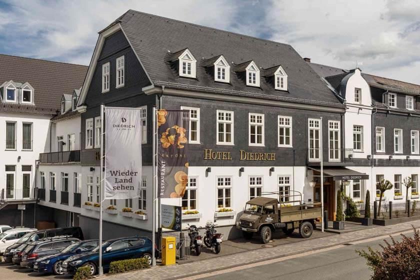 Außenansicht des Hotel Diedrich in Hallenberg