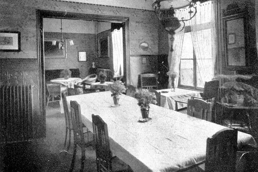 Aufnahme des damaligen Restaurants im Hotel Diedrich um das Jahr 1900