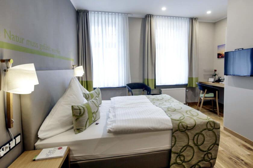 Zimmerkategorie Doppelzimmer Stammhaus B Talseite im Hotel Diedrich in Hallenberg