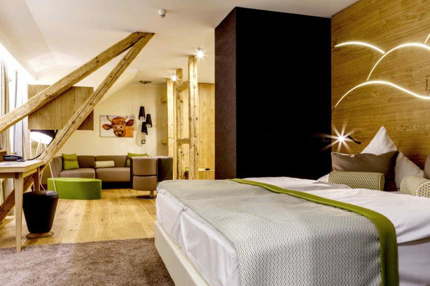 Zimmerkategorie Doppelzimmer Stammhaus Premium Plus Talseite im Hotel Diedrich in Hallenberg