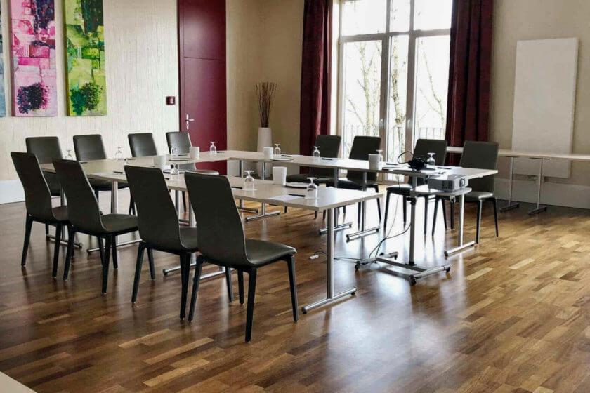 Tagungsraum im Hotel Diedrich mit U-Form Bestuhlung