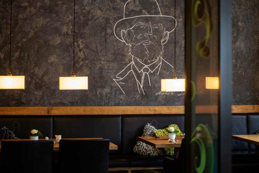 Detailfoto der Wandgestaltung des Restaurants Antons im Hotel Diedrich